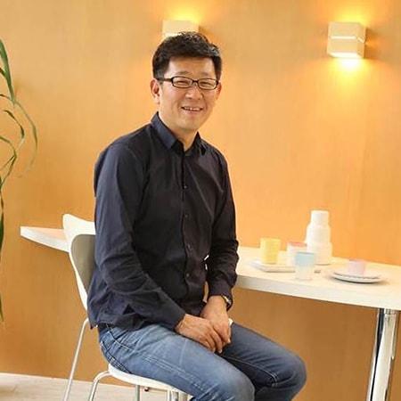 百田陶園の代表の百田憲由さんの写真