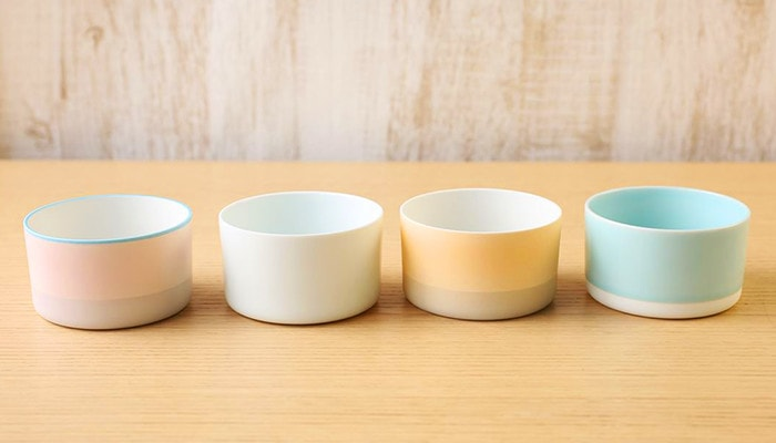 four colors of tea cups