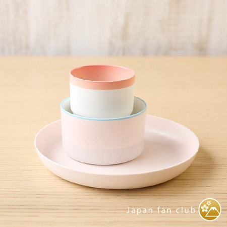 pink tableware of Arita porcelain