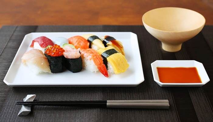 Square plate with sushi