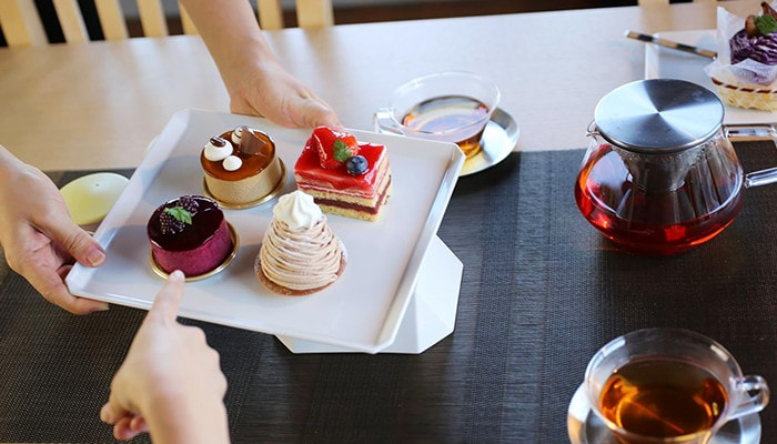 pleasant tea time with Square plate