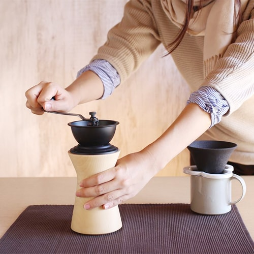 pleasant time to grind coffee beans by coffee mill