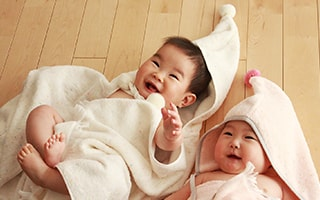 Fluffy and cute! Towel baby poncho made in Imabari