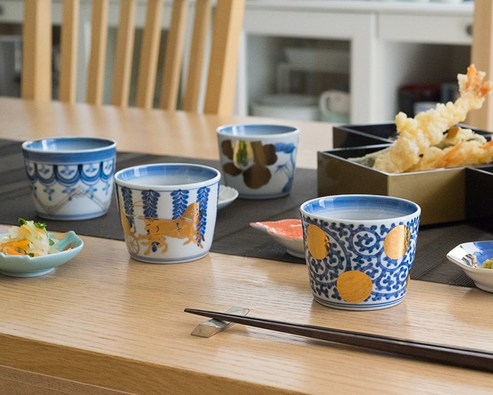 Arita soba cups of CHOKU series on the table