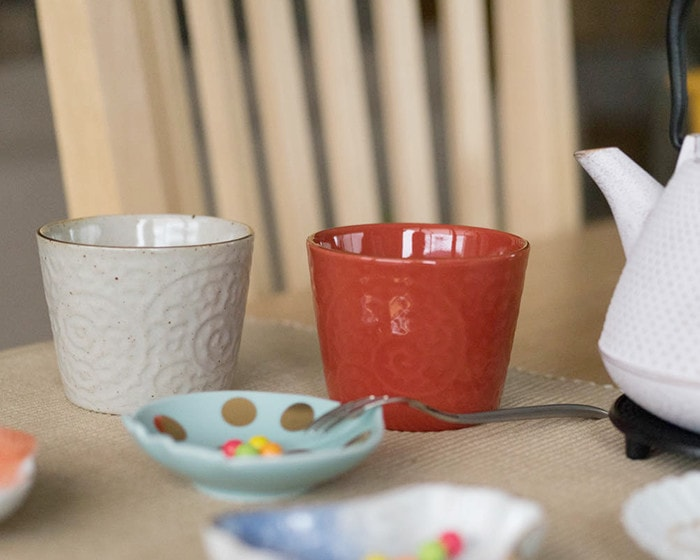 Pair cups of Red and White from ERI series