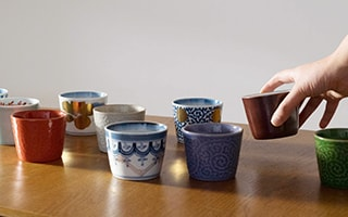 Arita soba cup with traditional beauty and modern art