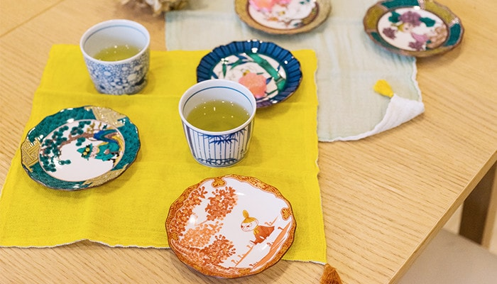 Kutani Moomin plates and Arita Moomin cups on the table