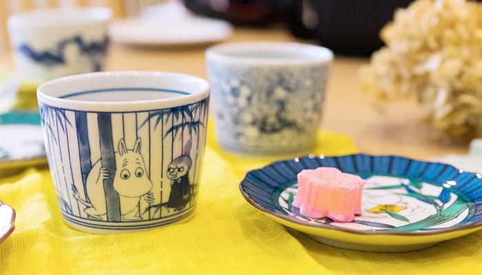 Hide and seek choko cup and Moomintroll plate of Kutani