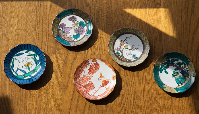 5 types of Moomin Kutani plates from amabro
