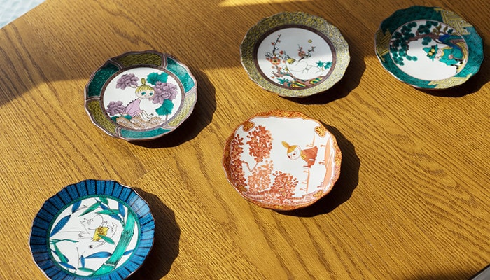 5 different colors of Moomin Kutani plates