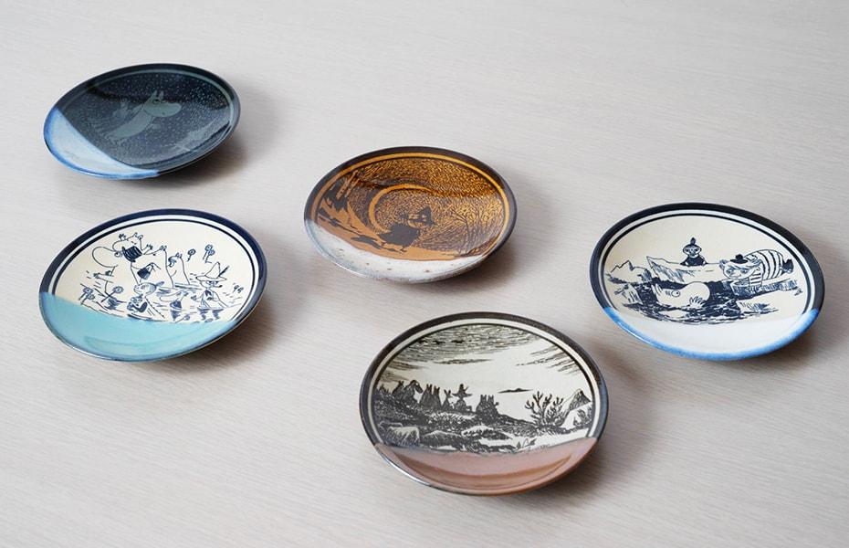 Mashiko pottery plates of Moomin series