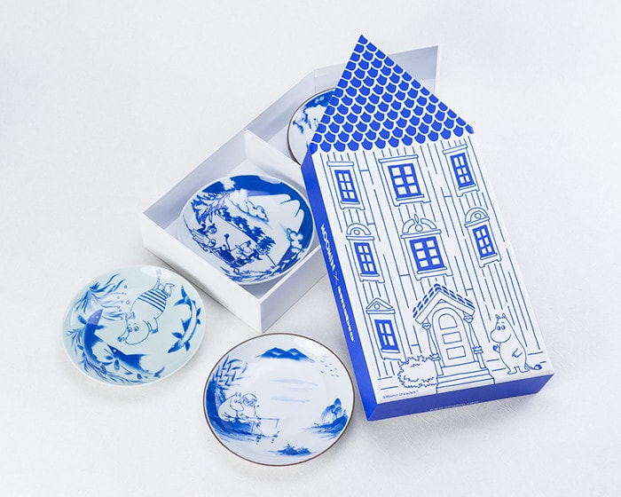 Set of 5 Moomin plates within exclusive box of Moominhouse