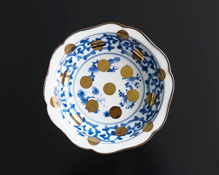 Arita deep dish of Tako-Karakusa-Sho-Chiku-Bai-Mon-Rinka