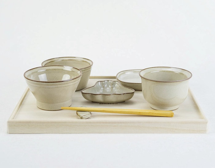 Tableware set for Okuizome ceremony from amabro