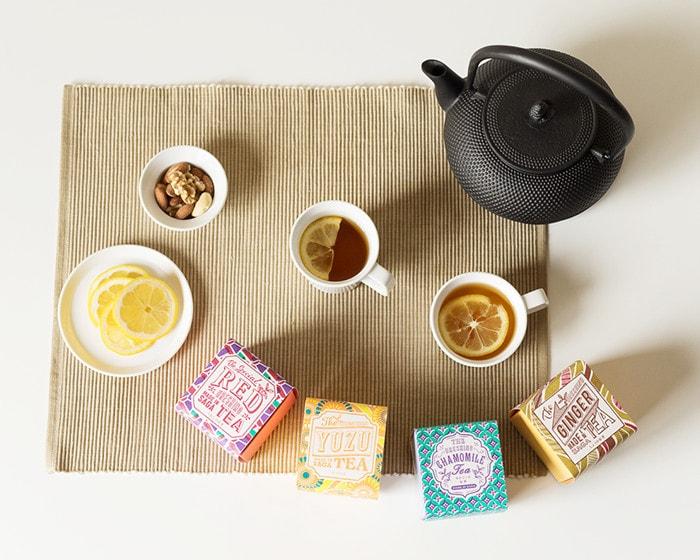レモンティーやうれしの紅茶、南部鉄瓶を上から見た様子