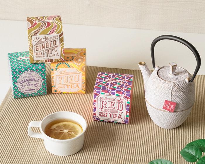 うれしの紅茶をRojiのティーポットで蒸らしている様子