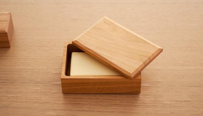 バターケースにバターが収納されている様子