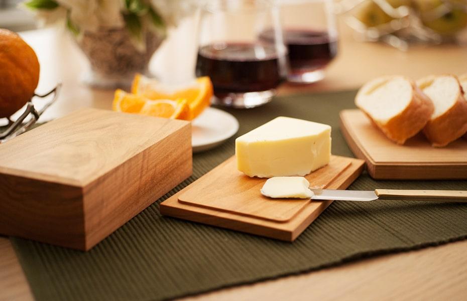 バターをもっと美味しく食べる方法とは?東屋のバターケース&ナイフ