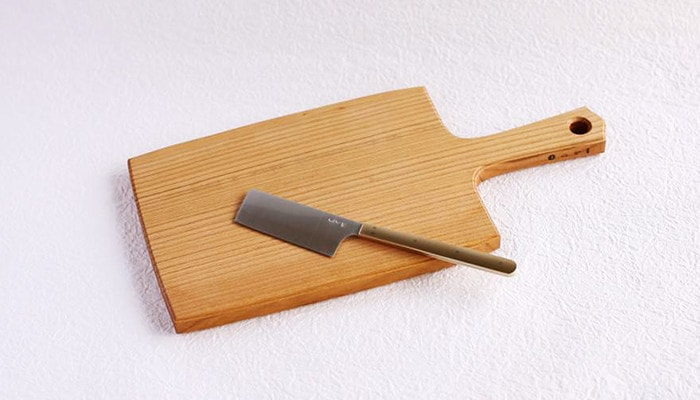 Cheese cutting board and cheese knife of Azmaya