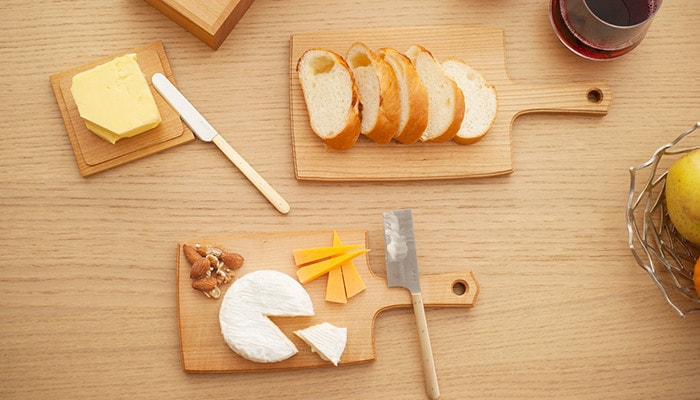 S size wooden cheese board with cheese, and L size cheese board with bread