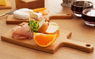 Make a café style with wooden cheese board