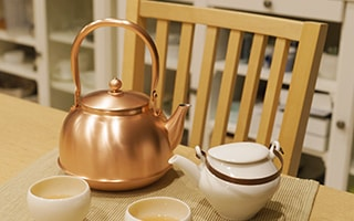 Modern copper tea kettle of Azmaya