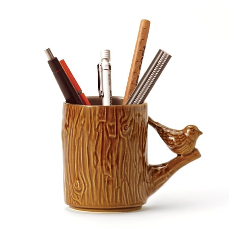 Woody pen stand