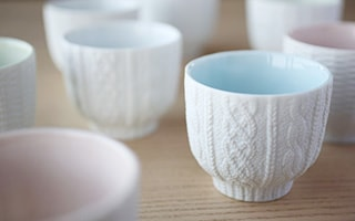 Hand-knit? Unique donburi bowl and tea cups Trace Face