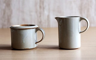 Coffee cups and plates is natural modern that you can adore long time.
