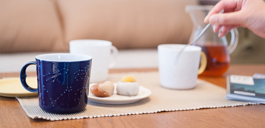 Star gazing with constellation mugs