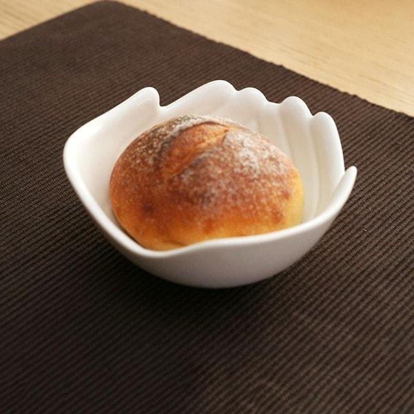 Sサイズのボウルはパンが1個ちょうど入る大きさ