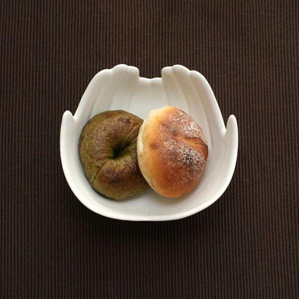 Mサイズのボウルはパンが2個ちょうど入る大きさ