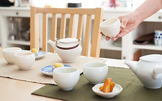 Japanese teapot sou sou makes your gesture look beautiful