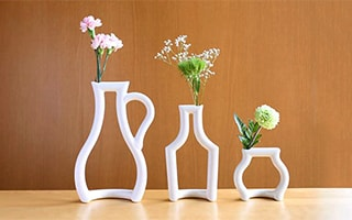 Worldwide attention! Unique small vases