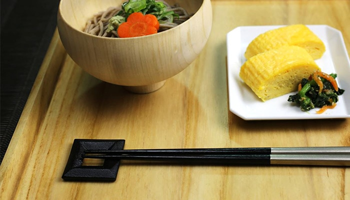 solid and stable design of metal chopstick rest square
