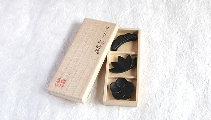metal chopstick rests in an exclusive box