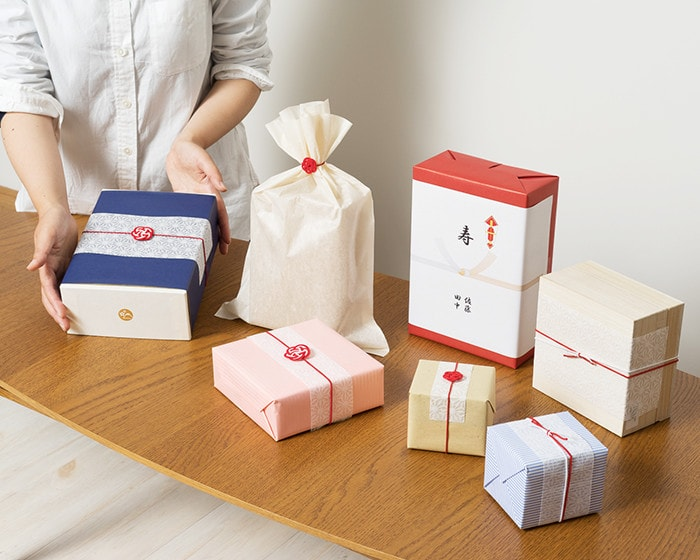 Examples of gift wrapping in Japan Design Store