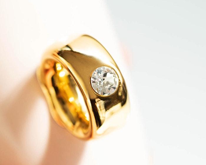 CUPRINGの取っ手の指輪のアップ