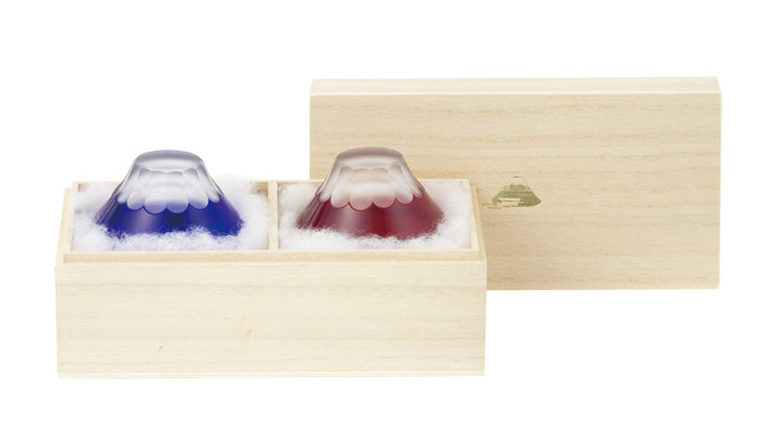 Fujiyama Edo Kiriko glass in a paulownia box