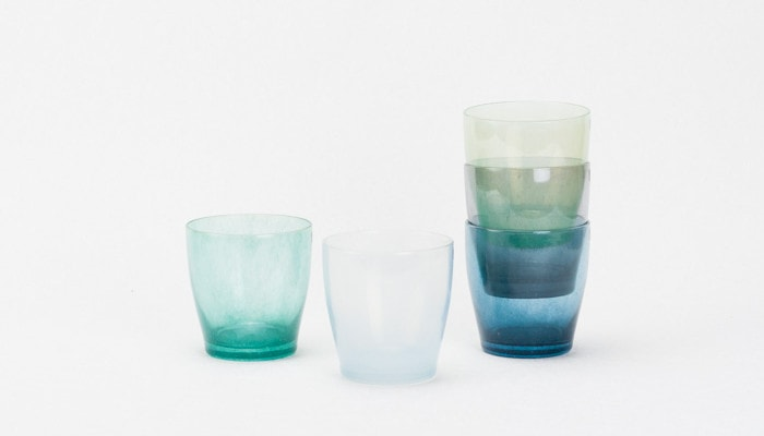 Enjoy mixed color of different glasses by stacking