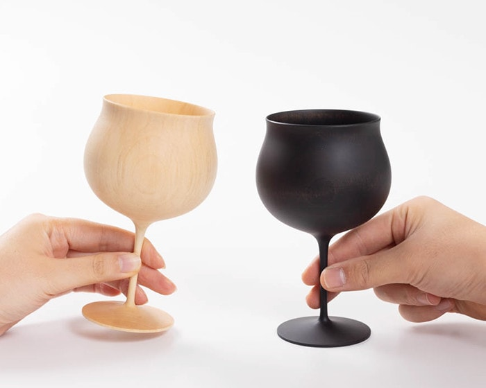 2 people have wooden drinking glasses from Gato Mikio