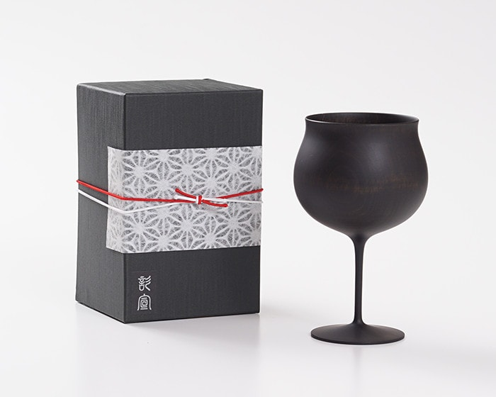 Black wooden wine glass and its exclusive box with Easy wrapping