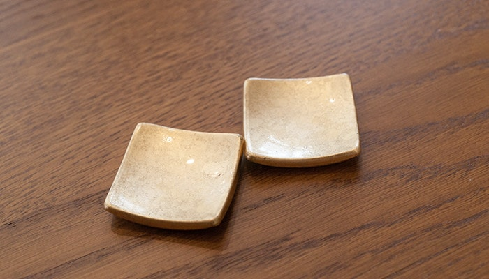 Pair of the chopstick rests of Shizuku