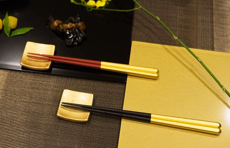 上質な食卓のひと時を演出する金箔の美しい箸セット