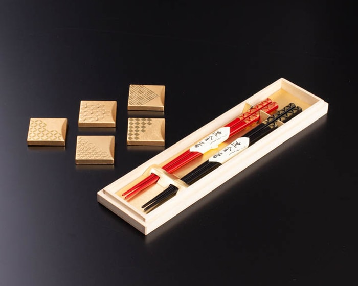 石川県の魅力がつまった福招き箸置きとお箸のオリジナルセット