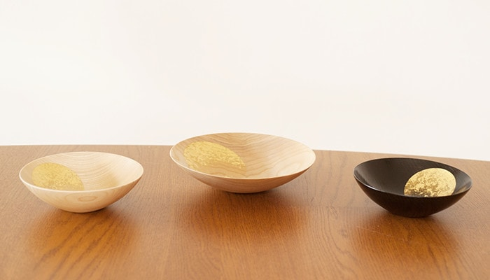 3 gold urushi lacquerware Oborozuki on the table