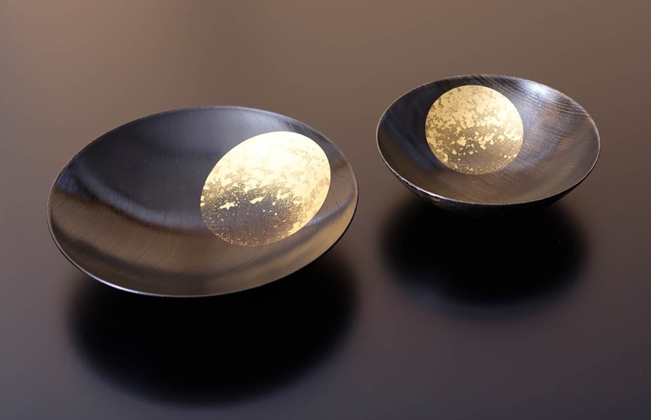 Beautiful gold urushi lacquerware Oborozuki from Hakuichi
