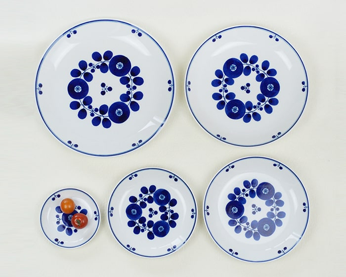Backside of the plates of Bloom series