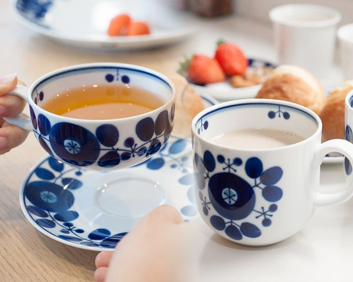 Blue and white dishes of Bloom series fit Japanese meal as well