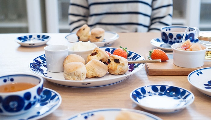 Have a teatime with tableware of Bloom series